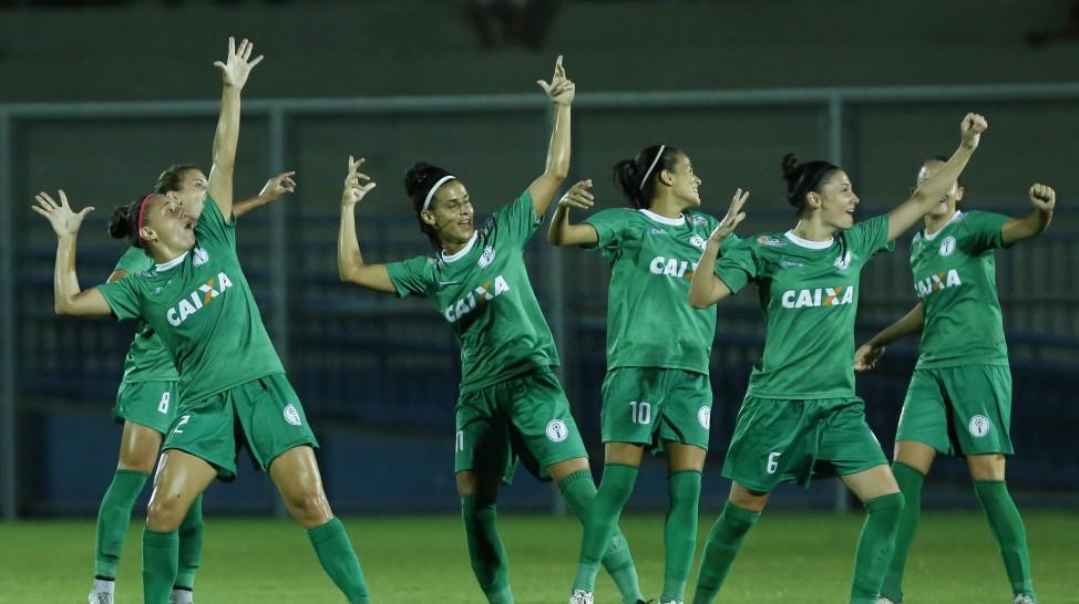 No Amazonas, time feminino tem mais público que masculinos e agora espera 20 mil torcedores em Arena da Copa