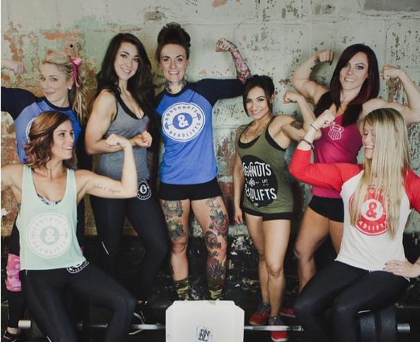 A diversidade do corpo das  mulheres que praticam musculação