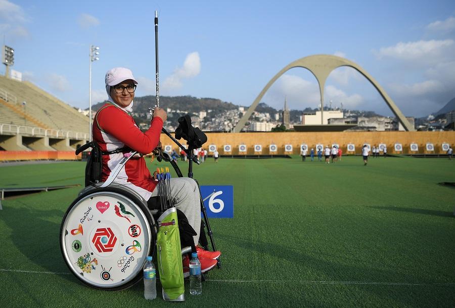 Zahra Nemati: atleta do Tiro com Arco nos Jogos Olímpicos e Paralímpicos carregará a bandeira do Irã nesta sexta-feira