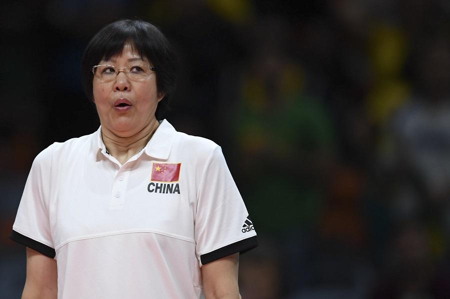 Com a medalha de ouro da China na Rio-2016, a treinadora Lang Ping chegou onde ninguém do Vôlei esteve antes