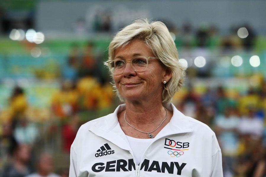 À frente da seleção feminina de futebol da Alemanha por 11 anos, Silvia Neid conquistou o título que a equipe masculina não tem