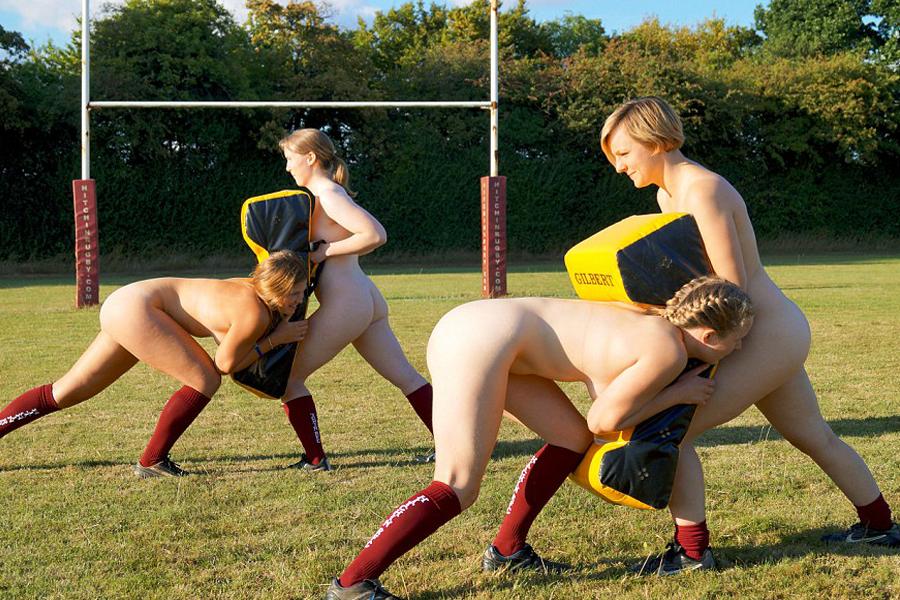 Jogadoras de rugby tiram a roupa em calendário e chutam  padrões e preconceitos para bem longe