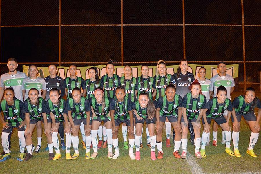 Primeiro jogo da final do Campeonato Mineiro termina com pancadaria e ameaças
