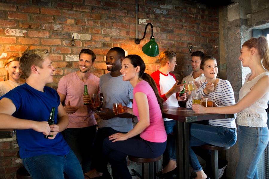 Cinco dicas que vão deixar seu happy hour mais saudável