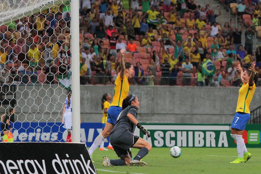 A primeira impressão da renovada seleção brasileira foi positiva