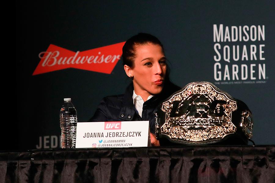 Apontada por José Aldo como a única lutadora completa do MMA, Joanna Jedrzejczyk é uma colecionadora de recordes