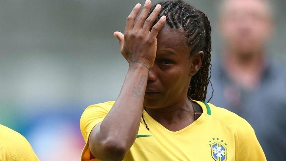 Brasil se despede de Formiga com goleada sobre a Itália e título