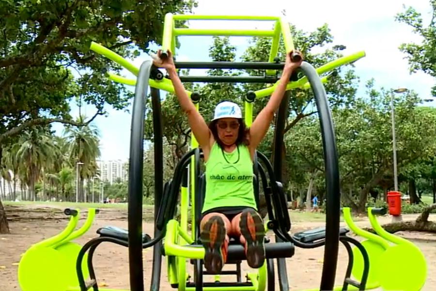 Prestes a completar 1000 corridas de rua, Delclemis Dias já disputou prova até com membro da realeza e inspira jovens