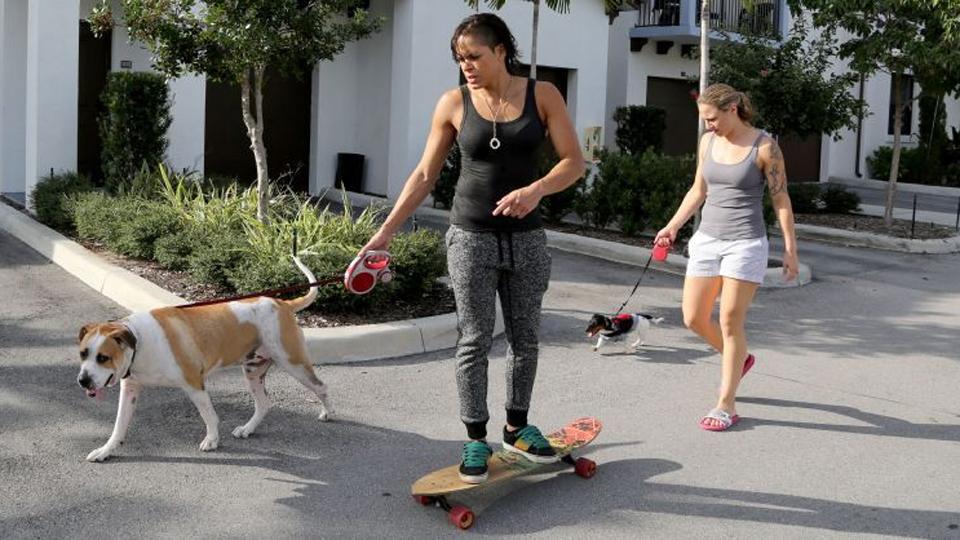 Casal vive um vida completamente normal na Flórida. Como deve ser! Crédito: espnW.com