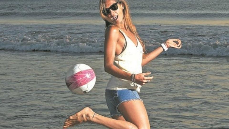 Ela foi hooligan, virou agente de astros e agora é 'inimiga' de clubes argentinos