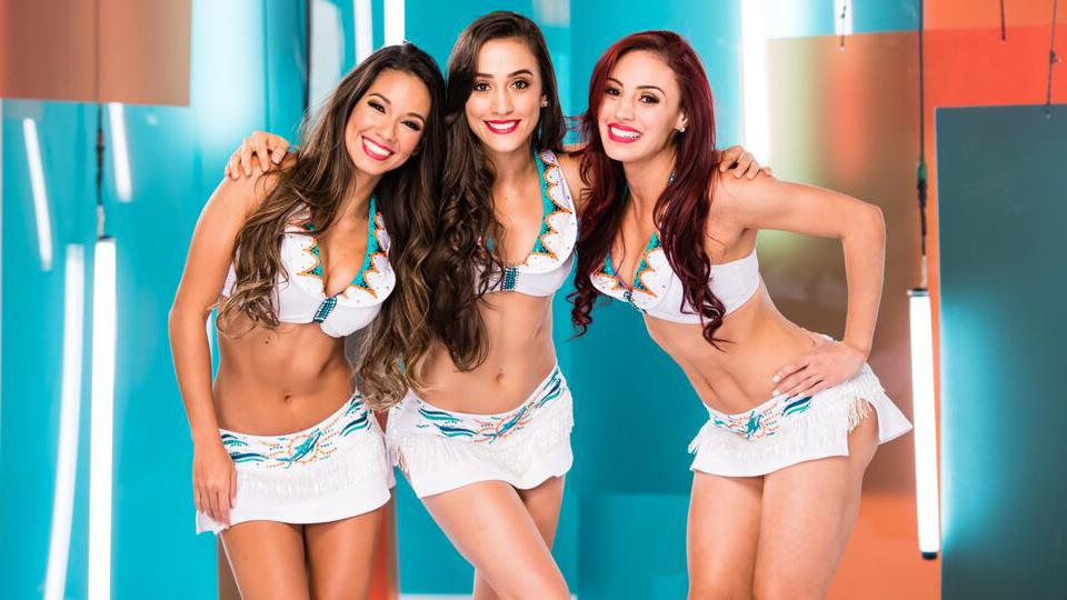 Conheça as brasileiras da equipe de cheerleaders do Miami Dolphins