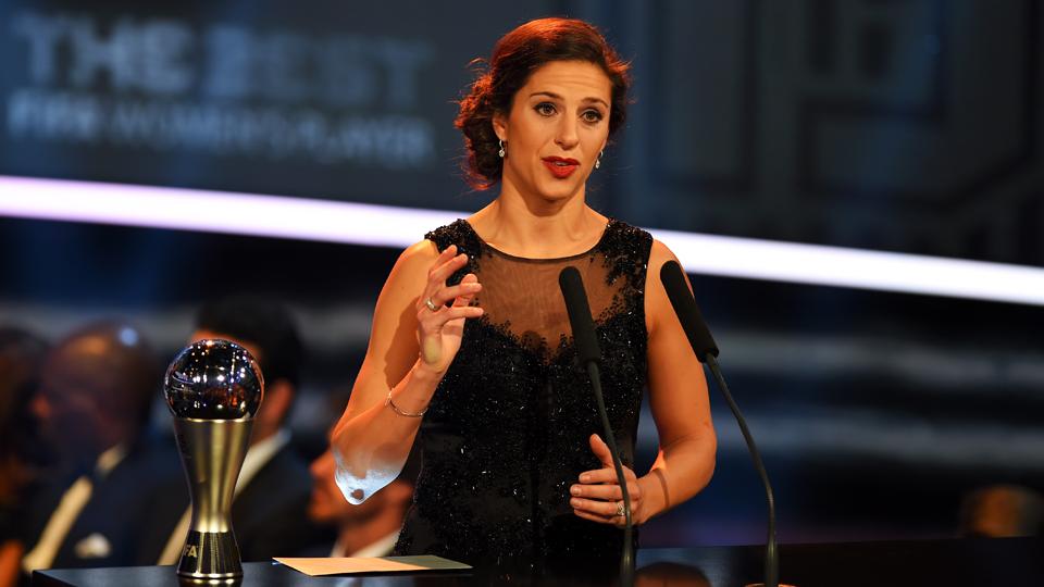Foi justo Carli Lloyd vencer o prêmio FIFA de melhor jogadora do mundo?