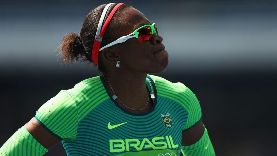 Após casa assaltada, brasileira olímpica pede: 'Um patrocínio, pelo amor de Deus'