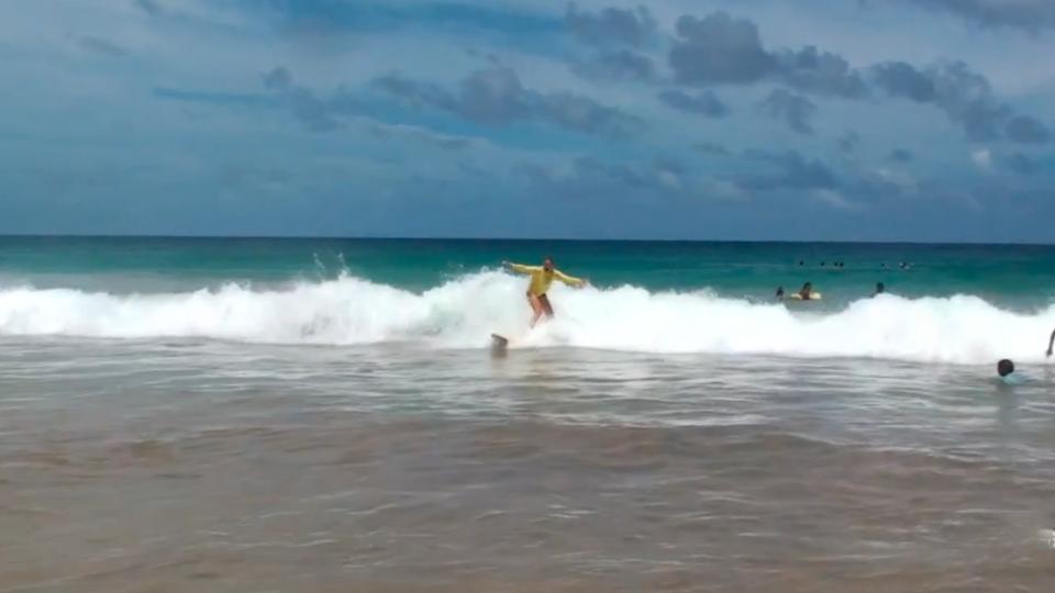 Nas ondas da Praia da Conceição quem manda são elas
