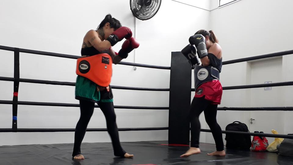 Dores, delícias e privações: a rotina para a primeira luta de muay thai