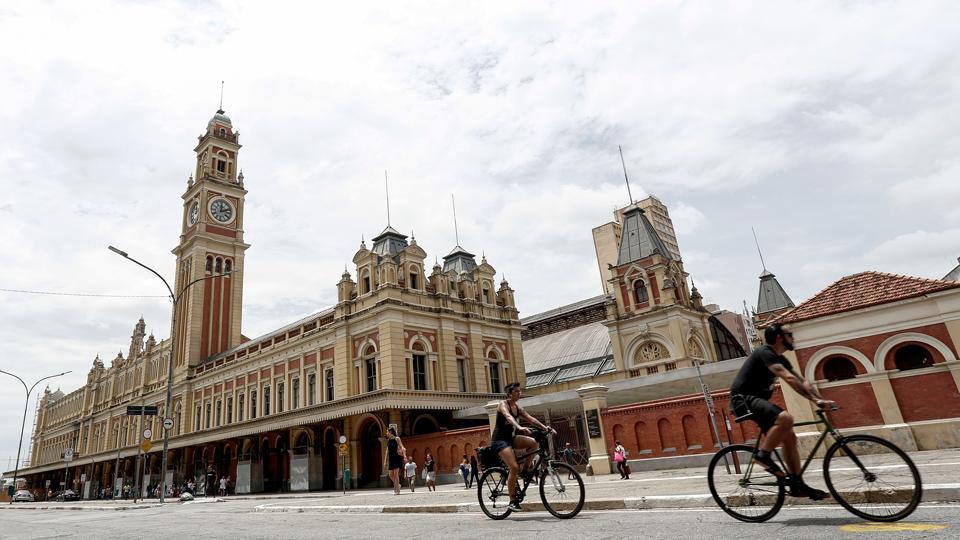 No aniversário da maior cidade do país, curta São Paulo a bordo de uma bicicleta