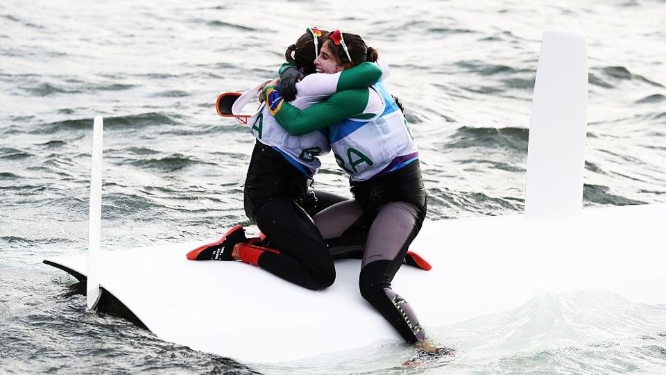 Após ouro na Rio 2016, Martine Grael e Kahena Kunze são campeãs nos EUA