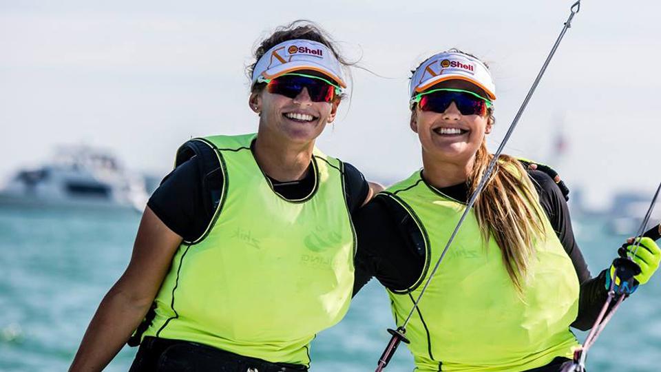 Compreensão e respeito mútuo guiam a parceria vitoriosa entre as velejadoras Martine Grael e Kahena Kunze