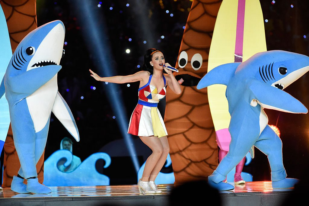 GLENDALE, AZ - FEBRUARY 01: Recording artist Katy Perry performs onstage during the Pepsi Super Bowl XLIX Halftime Show at University of Phoenix Stadium on February 1, 2015 in Glendale, Arizona. (Photo by Kevin Mazur/WireImage)
