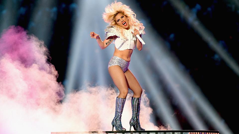 Treino árduo e ensaios minuciosos: Confira como foi a preparação de Lady Gaga para o show no Super Bowl