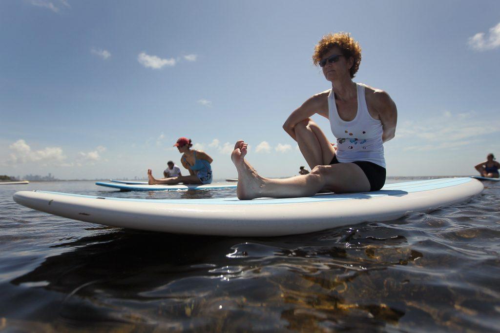 Para todas as idades, a yoga é muito benéfica para a circulação (Getty Images)