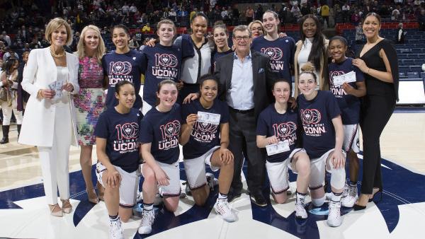Conheça o time feminino que não perde um jogo há mais de dois anos e tem a maior invencibilidade no basquete dos EUA
