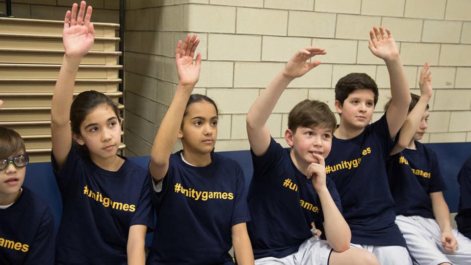 Crianças decidem se retirar de campeonato se meninas e meninos não puderem jogar no mesmo time