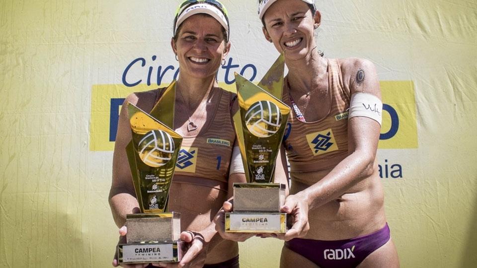 Larissa e Talita coroam tricampeonato brasileiro com título em Maceió