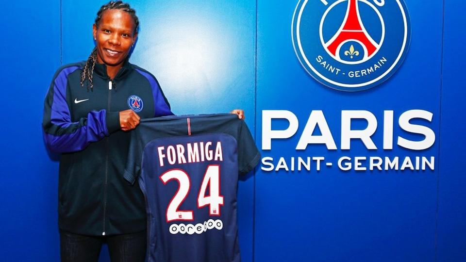 Em goleada do PSG, Formiga marca primeiro gol pelo clube francês