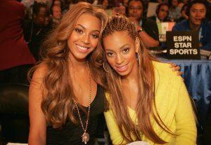 Beyoncé e Solange em 2005 (Getty Images)