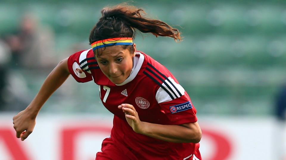 'Refugiada do futebol', Nadia Nadim sobreviveu aos horrores do Talibã e brilha na seleção dinamarquesa