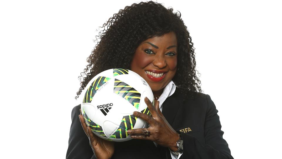 Dona da bola: Secretária-geral da FIFA quer o fim da 'dominação masculina' no futebol