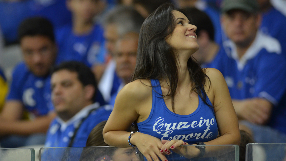 Cruzeiro abraça o Dia Internacional da Mulher e estampa dados estatísticos aproveitando os números do uniforme