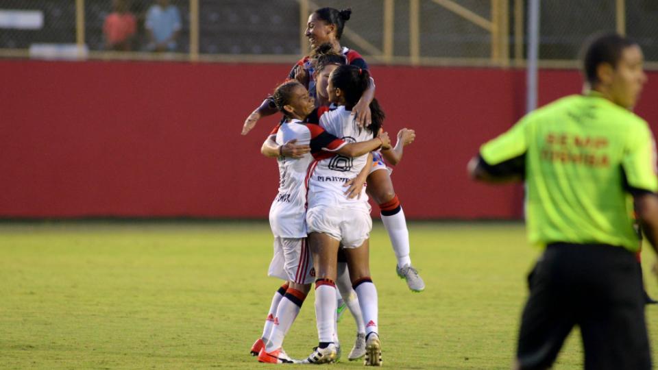 Flamengo faz jogo de paciência e vence Vitória-BA na abertura do Campeonato Brasileiro de futebol feminino