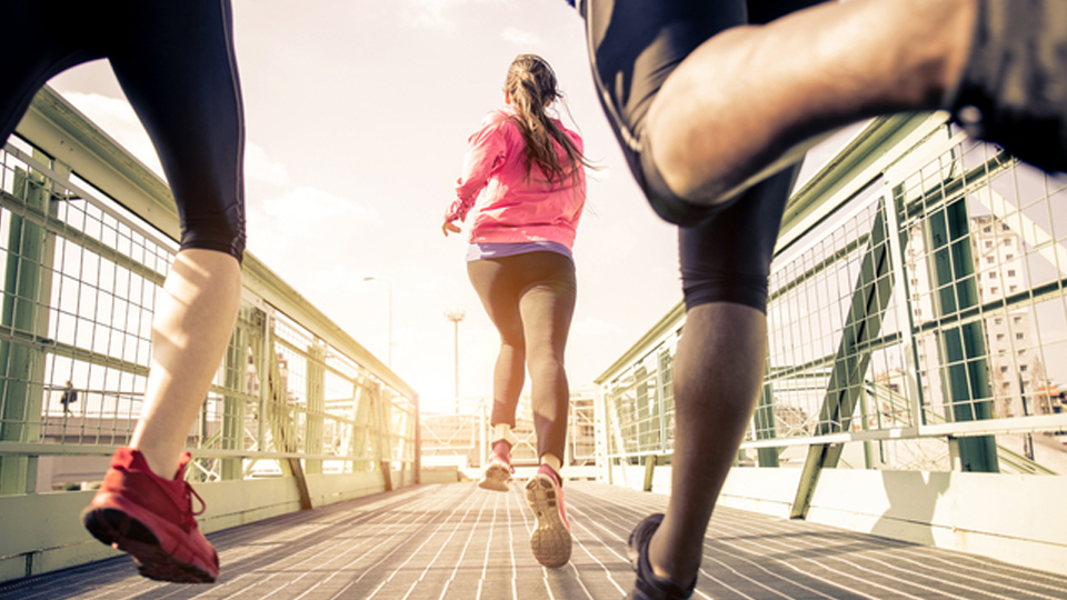 Confira três dicas simples para acelerar na corrida sem sofrer lesões