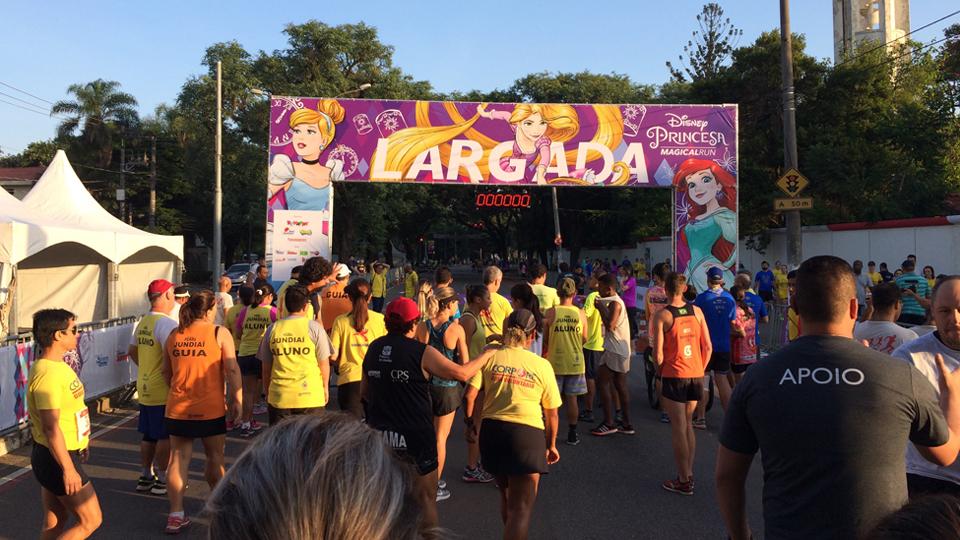 Corrida de princesas da Disney une esporte, saúde, família e diversão em um só evento