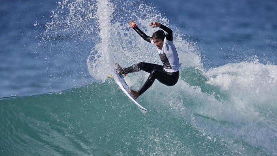 Única representante do Brasil na elite do surfe, Silvana Lima começa a busca pelo título mundial