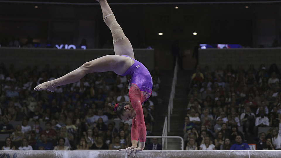 Conheça Maggie Nichols, a ginasta universitária que deixa Simone Biles de queixo caído