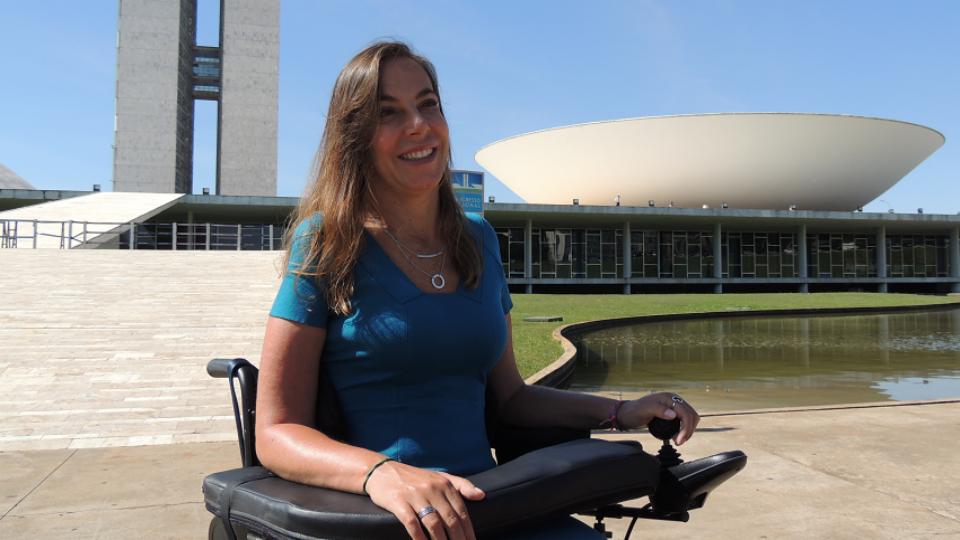 Tetraplégica desde os 27 anos, Mara Gabrilli diz viver a melhor fase de sua vida aos 49