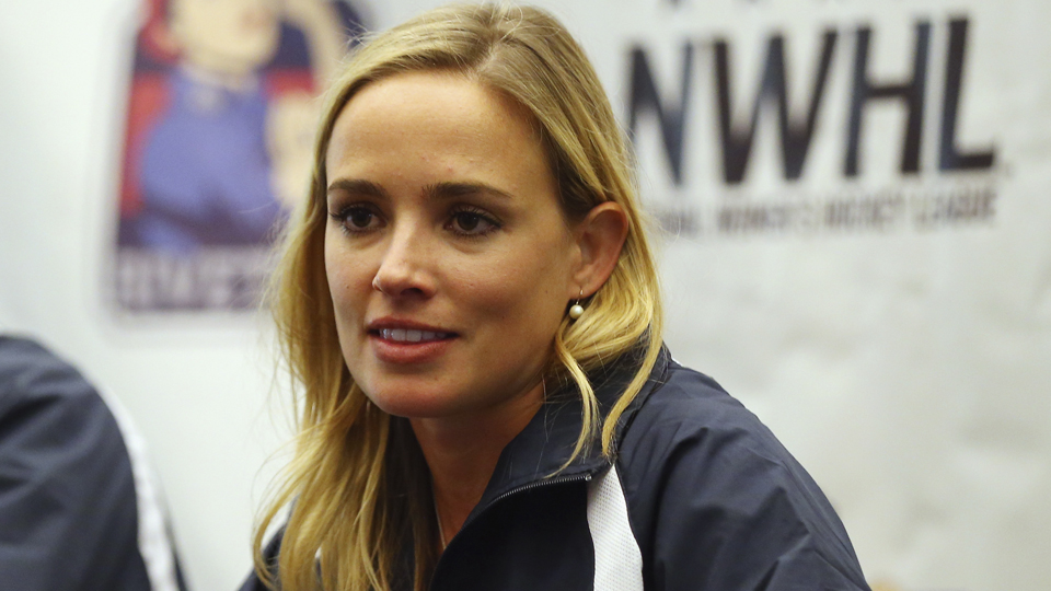 Conheça Dani Rylan, a ex-jogadora de hóquei no gelo que fundou a primeira liga feminina da modalidade nos EUA