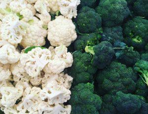 Brócolis e couve-flor, alimentos importantes na dieta nessa estação (Getty Images)