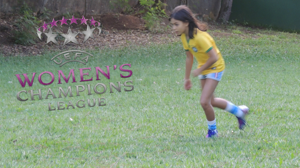 É preciso persistência para ser jogadora profissional de futebol feminino e para assisti-lo também