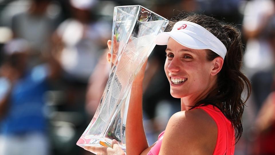Konta vence Wozniacki e é campeã do Premier de Miami