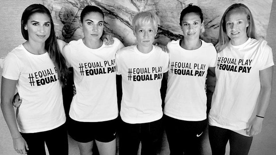Greves, protestos, coragem: mulheres vão à luta por um futebol melhor (mas não no Brasil)