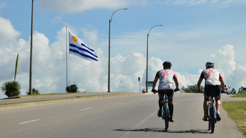 Bike & Wine: conheça a história de dois brasileiros que pedalaram de Porto Alegre a Montevidéu
