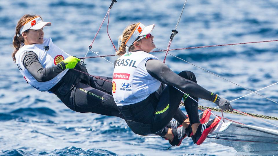 Martine Grael e Kahena Kunze vencem etapa da Copa do Mundo de Vela na França