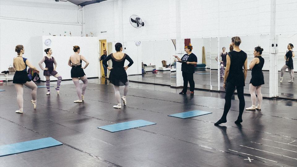 Todas as cores, todos os corpos: professora de dança mostra como ballet e inclusão podem caminhar – ou dançar – juntos