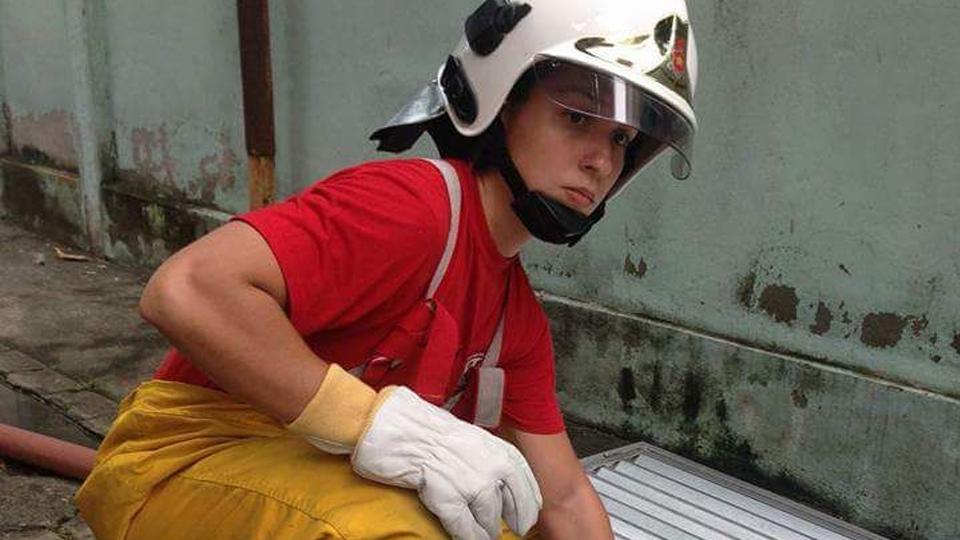 'É cansativo ter que provar a todo momento que posso ser uma bombeira', diz oficial sobre os desafios da profissão