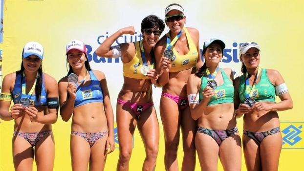 Josi e Lili são ouro no Challenger de vôlei de praia em Maringá