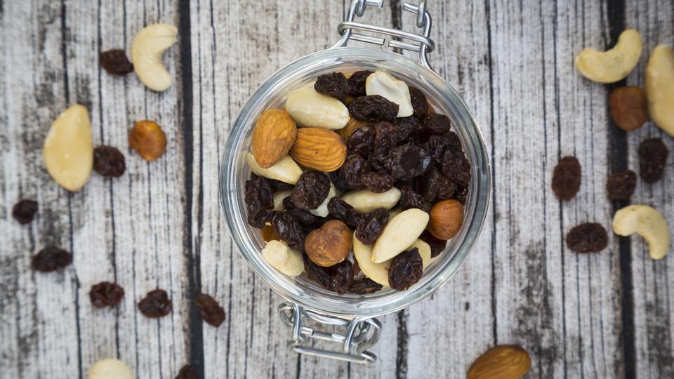 Fácil de preparar, o mix de castanhas traz muitos benefícios à saúde: aprenda a montar o seu